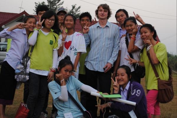 """Weltwärts"" - .lkj) entsendet 17 junge Leute in fünf Länder"