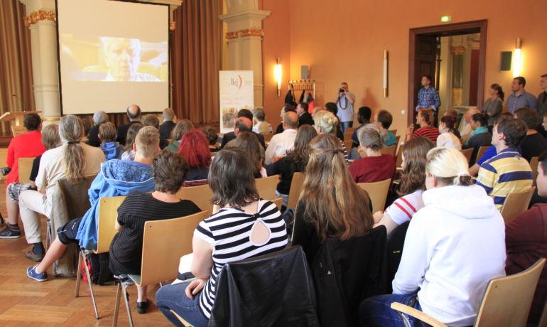 Frieden ist alles! der 10. Jugend-Geschichts-Tag Sachsen-Anhalt in Merseburg zum Thema »Frieden«.