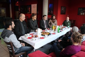 "Pressekonferenz zum ""Jugendkulturfonds"" im Theatercafé Stendal."