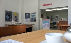 Café WEWERKA l Brandeburger Straße 9 l Mo-Fr. 9:30 Uhr bis 18:00 Uhr geöffnet