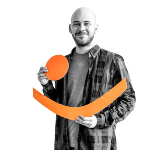 Perry Lukaszczyk mit Logo der .lkj) Sachsen-Anhalt e. V.